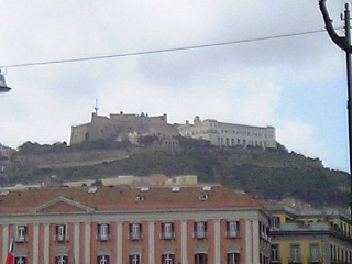 丘の上の修道院