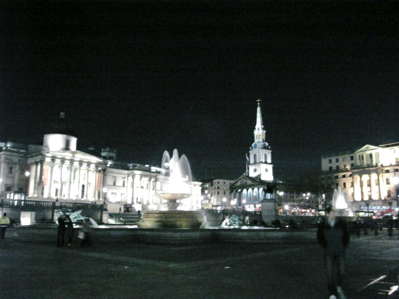 夜のトラファルガースクエア